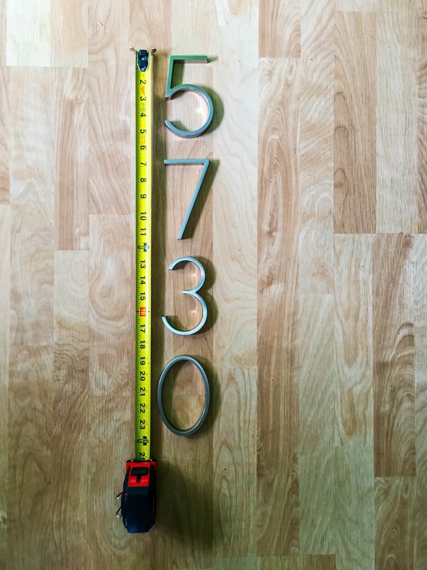 Modern House Numbers on white 004